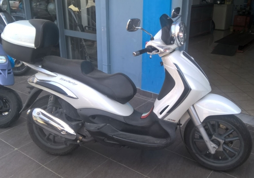 PIAGGIO BEVERLY TOURER 300 ie a